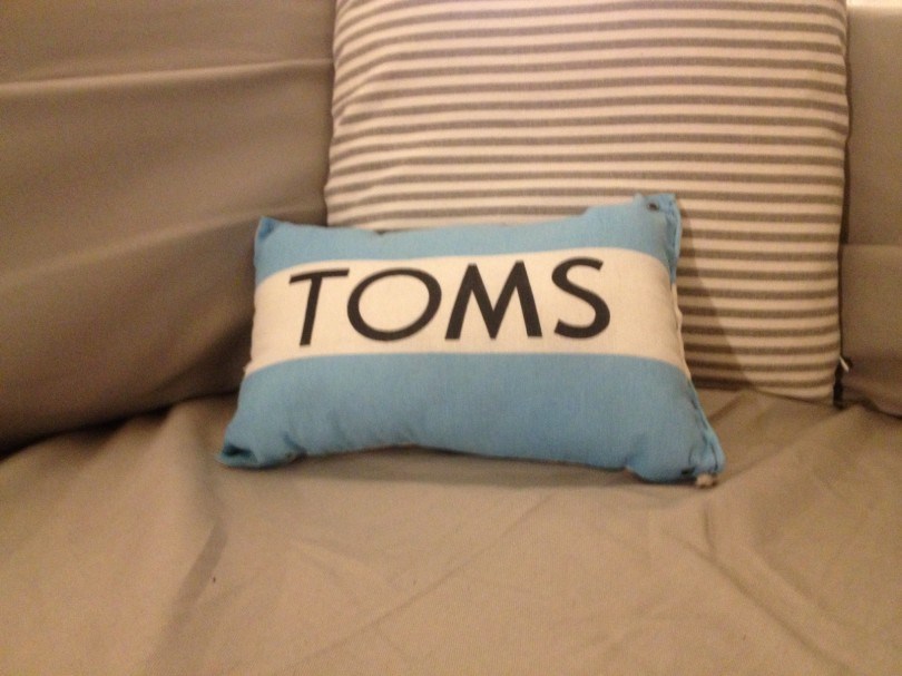 toms pillow
